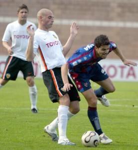 Cristian Castells Ortega, (spagnolo) nato a Valencia, è un difensore centrale di assoluto valore