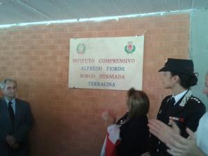 la targa dell'IC di Borgo Hermada che porta il nome di Alfredo Fiorini. Anxur Time