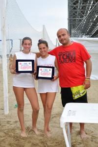 Erika e Camilla. Vittoria al torneo di beach volley Rive di Traiano (repertorio)