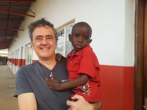 Antonio Bruscoli, chiurgo che presta la sua opera in Africa. Anxur Time