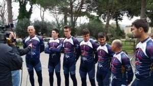 Roberto Italiano di Lazio TV intervista gli olimpionici del Team Bike Terracina. Da sx: Sartori, Battisti, Lodo, Tranquilli, Di Girolamo, Di Somma, Venier