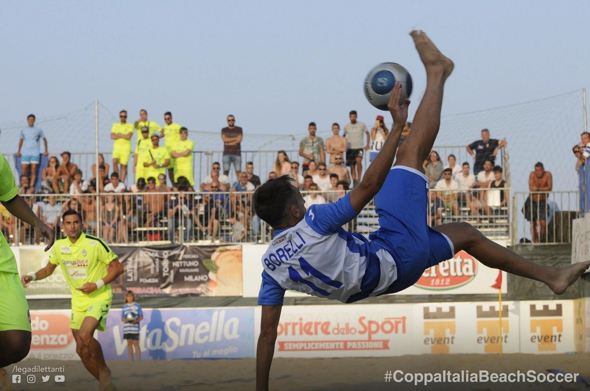 Simone Borelli in Nazionale di beach soccer. anxur time