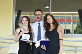 Il Dirigente dell'ITS Bianchini, Maurizio Trani tra Alessandra Calì e Martina Riccardi. Anxur time