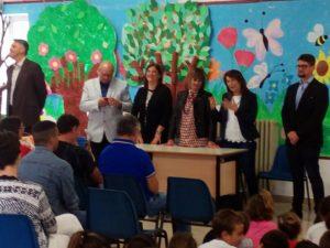 consegna defibrillatore avis terracina alla scuola G.Manzi. anxur time